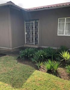 3 Bedroom House for Sale in Vanderbijlpark SE 1, Vanderbijlpark - Gauteng